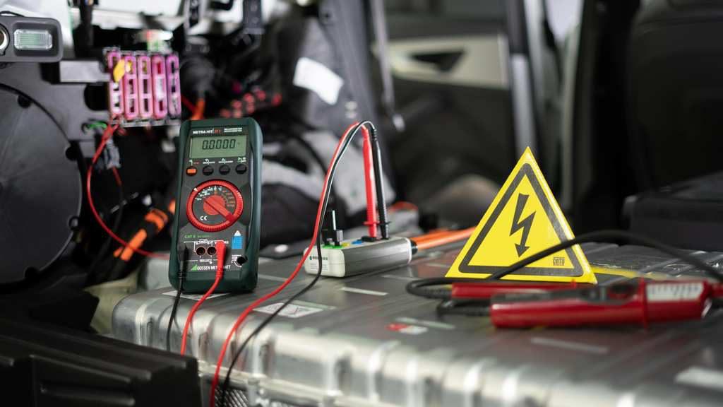 Fahrzeugfreischaltungan der Hochvoltbatterie